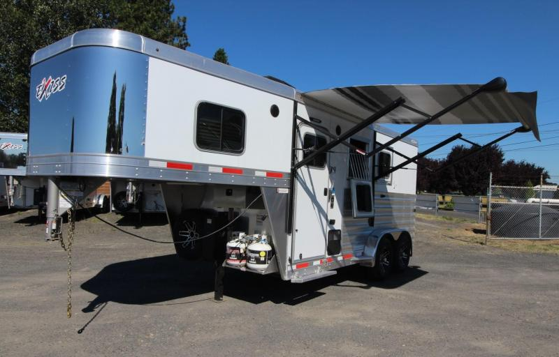 2020 Exiss 7204 4 S W Solid Wood Upgrade Easy Care Flooring Electric Awning 2 Horse Trailer PRICE REDUCED 2000
