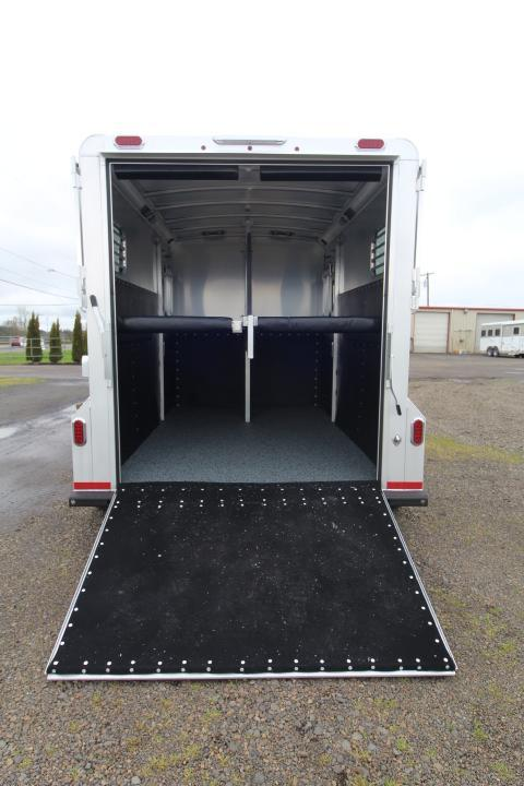 2021 Platinum Coach 2H BP Straight Load - Easy Care Floor - Warmblood - LED Load Lights - Removable Center Post and Divider