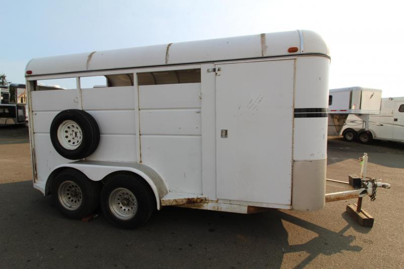 1999 C and B 3 Horse Trailer Horse-Swing Out Saddle Rack