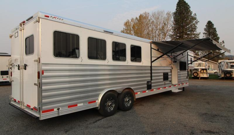 2019 Exiss 8414 - 14' Short Wall Living Quarters Horse Trailer - Upgraded Interior - Insulated Horse Ceiling - Couch and Dinette  - PRICE REDUCED $10100!!
