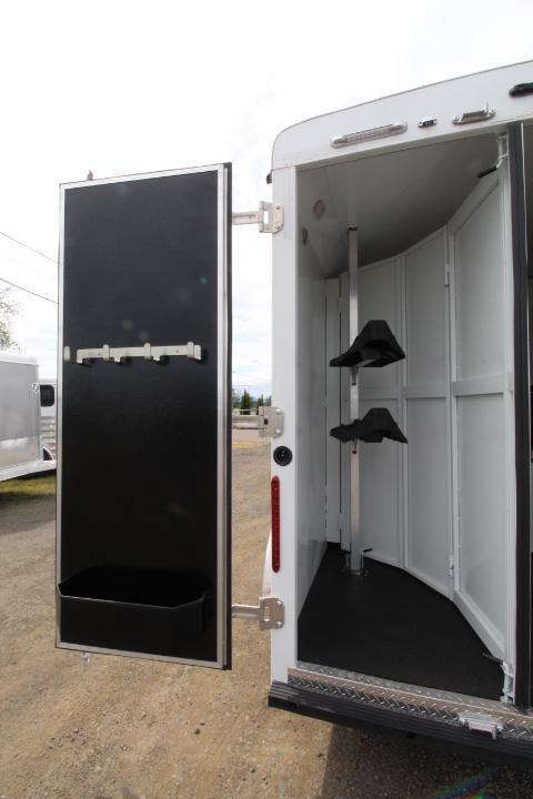2021 Bison Trailers Quickdraw Horse Trailer