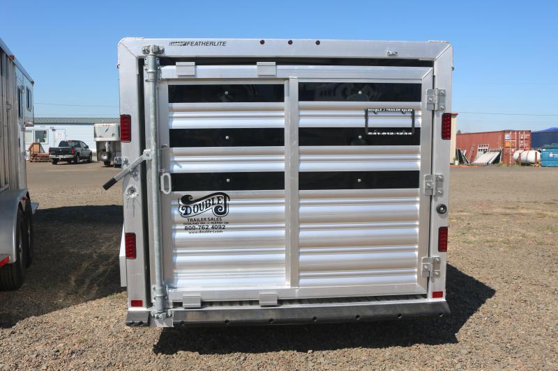 2022 Featherlite 8107 Livestock Trailer - Adjustable Center Gates - Double Rear Doors - Escape Door - Removable PlexiGlass in Airgaps