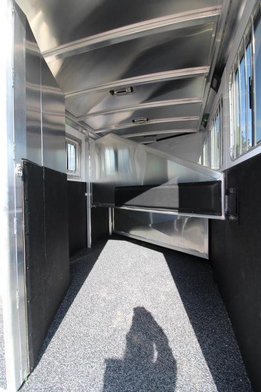 2020 Exiss Trailers 7300 - LARGE Tack Room - Folding Rear Tack 3 Horse Trailer - Easy Care Flooring - 3 Tier Saddle Rack