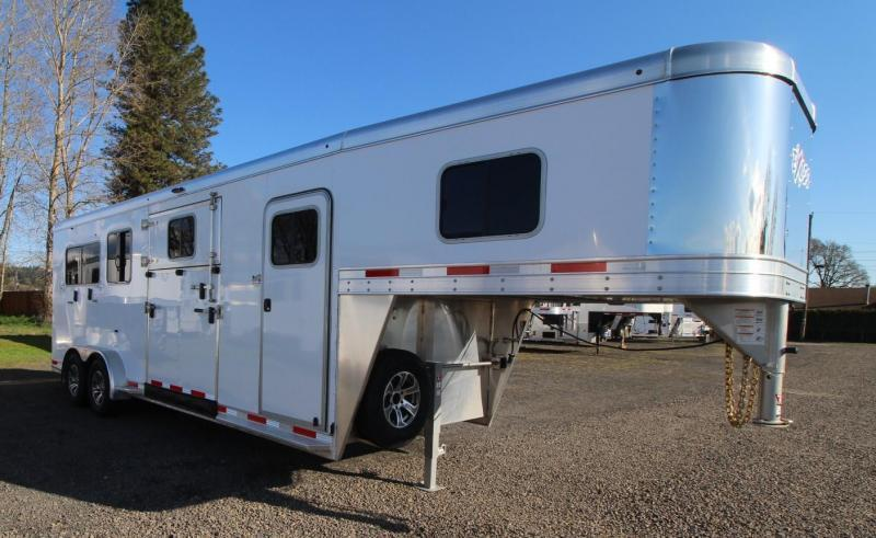 2021 EXISS 7200 SR WARMBLOOD 2+1 STRAIGHT LOAD AND BOX STALL 2 OR 3 HORSE TRAILER