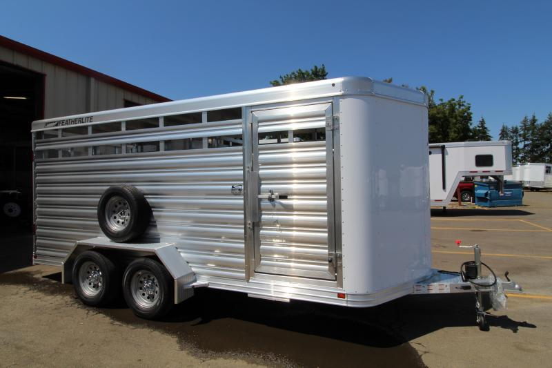 2021 Featherlite 8107 16' Livestock Trailer - Center Gate w/ Sldier