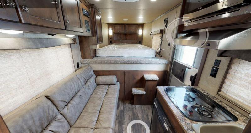 2021 MERHOW NEXT GEN 2 HORSE TRAILER 7ft SW LIVING QUARTERS