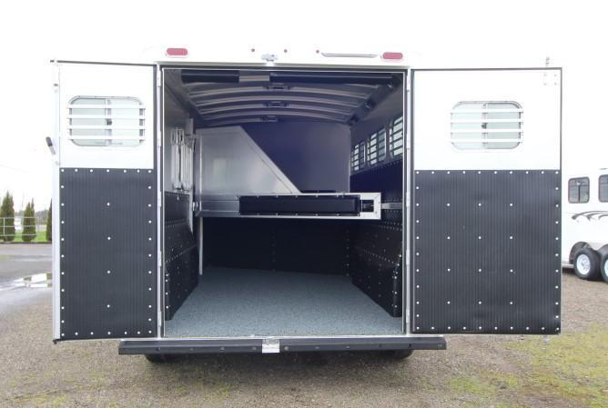 2021 Platinum Coach Platinum Series 3H GN Horse Trailer
