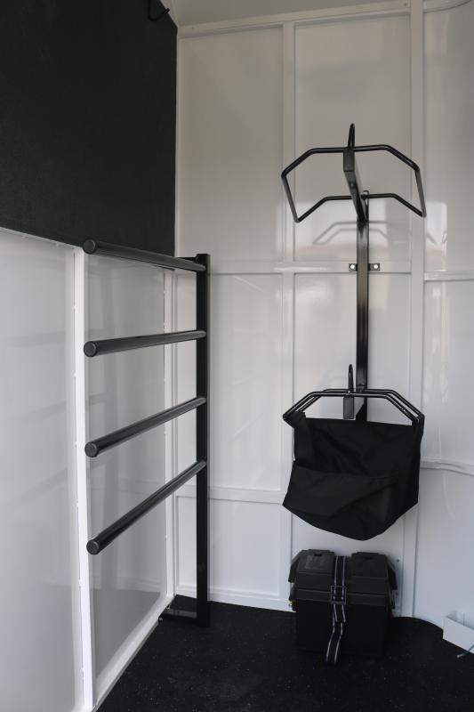 2022 Trails West Royale Horse Trailer - 30 Gallon Water Tank - Drop Down Windows - Aluminum