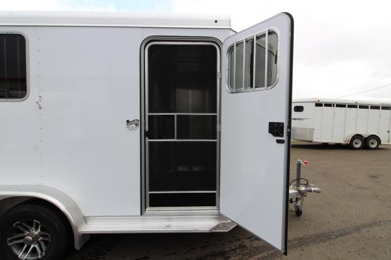 2020 Exiss 720 Horse Trailer - - Drop Down Feed Windows - Pop-up Roof Vents PRICE REDUCED