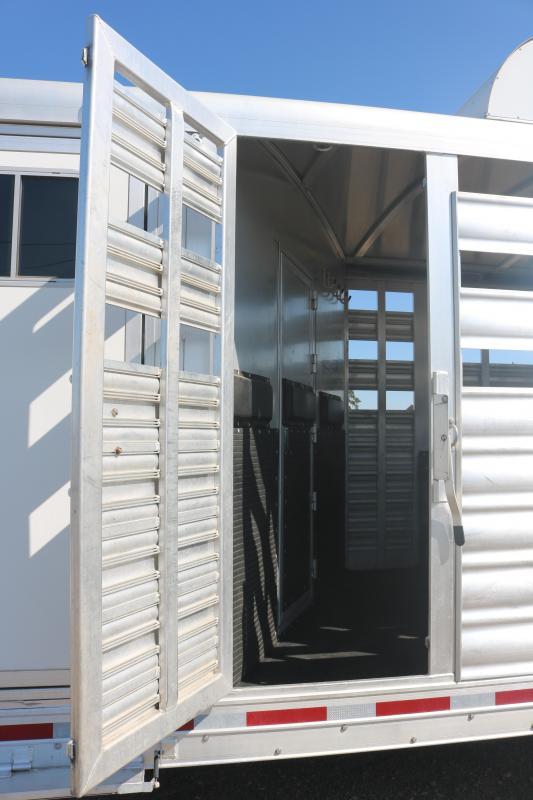 2016 Platinum Coach Stock Combo 5 Horse Trailer - Midtack - Proline Interior - Stock Combo - Escape Door - Hay Rack & Ladder - Dinette -