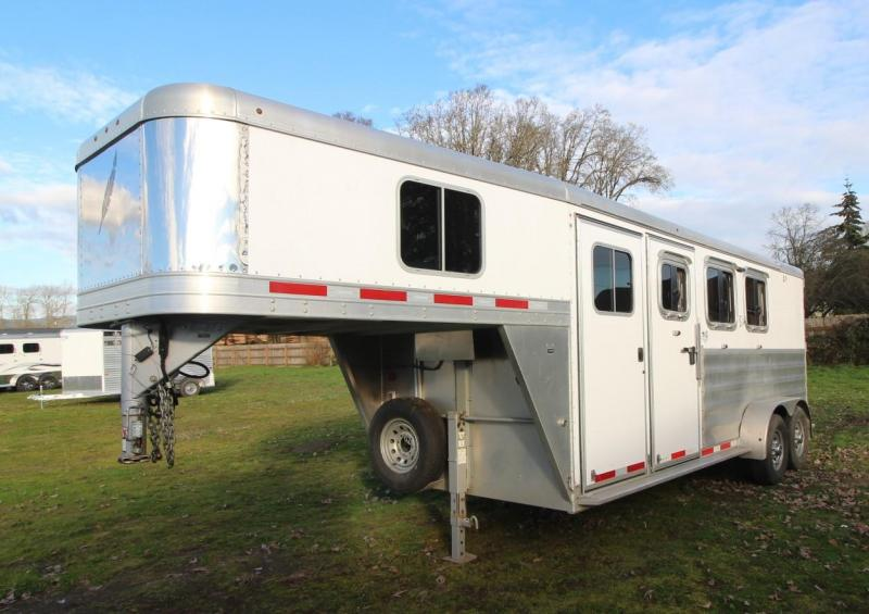 2015 Featherlite 3 HORSE TRAILER GOOSENECK WEEKENDER - ESCAPE DOOR