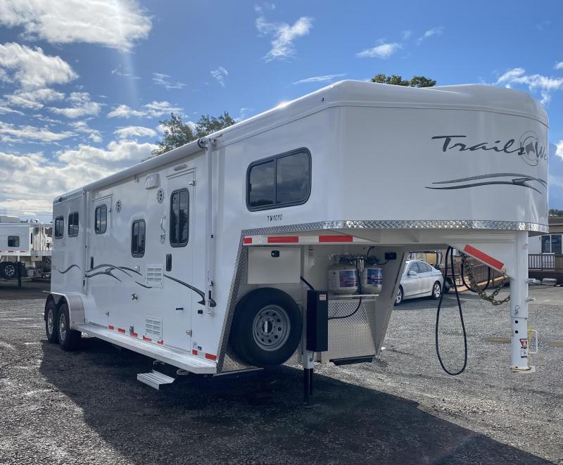 2019 Trails West Classic 10x10 LQ - Side Tack - 2 Horse Trailer