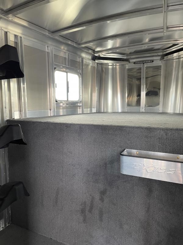 2022 Exiss 7200 SR (2+1) - Rear & Curbside Ramp - Straightload - Escape Door - Easy Care Floor -