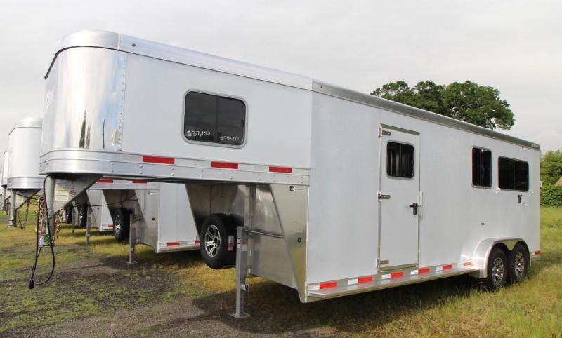 2021 Exiss Trailers 7200 SR - 2+1 Warmblood Horse Trailer - Box Stall with ramp