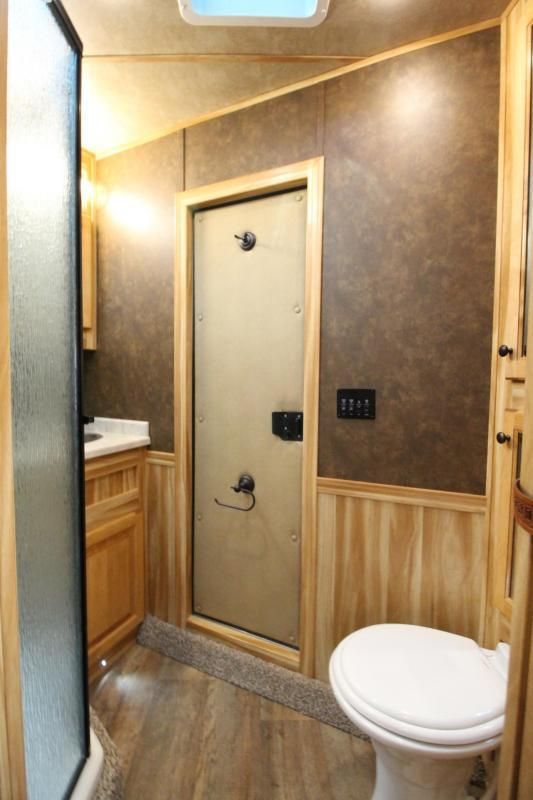 2020 Exiss Endeavor 8310 - 10ft SW Living Quarters w/ Slide out 3 Horse Trailer PRICE REDUCED $2000