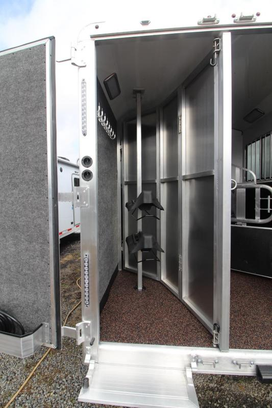 2021 Merhow 2 Horse LQ Trailer - Slide Out - Dinette - Stud Divider - Power Awning