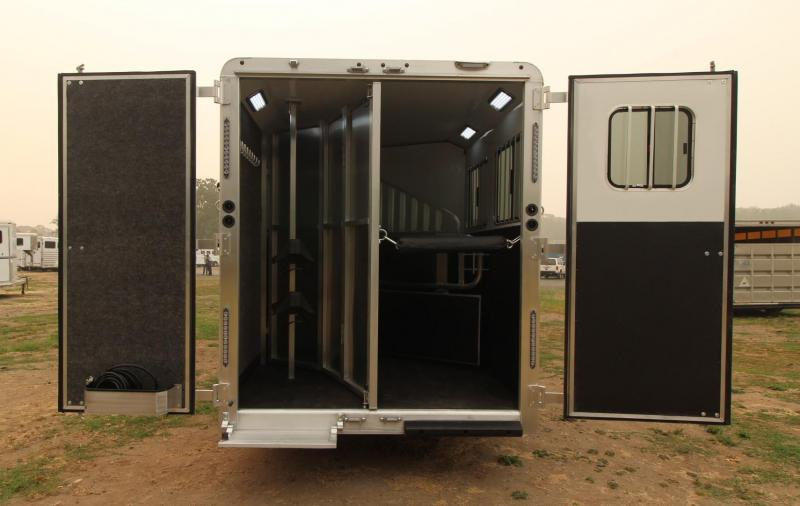 2021 Merhow 2 Horse LQ Trailer - Slide Out - Dinette - Stud Divider - Power Awning