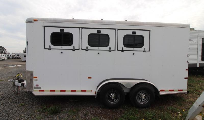 1999 Sundowner 3 HORSE BUMPER PULL TRAILER - DROP DOWN WINDOWS Horse Trailer