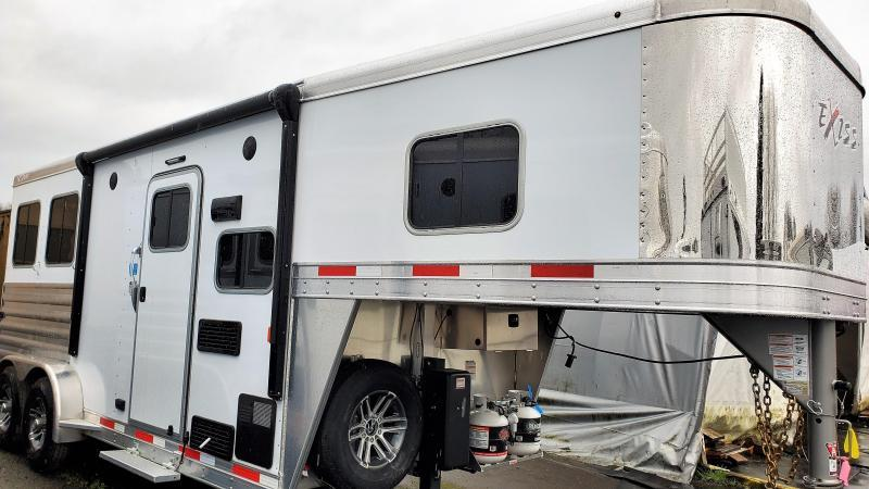2020 Exiss 7206 6' SW - Easy Care Flooring - Electric Awning - Stud Divider - 2 Horse Trailer PRICE REDUCED
