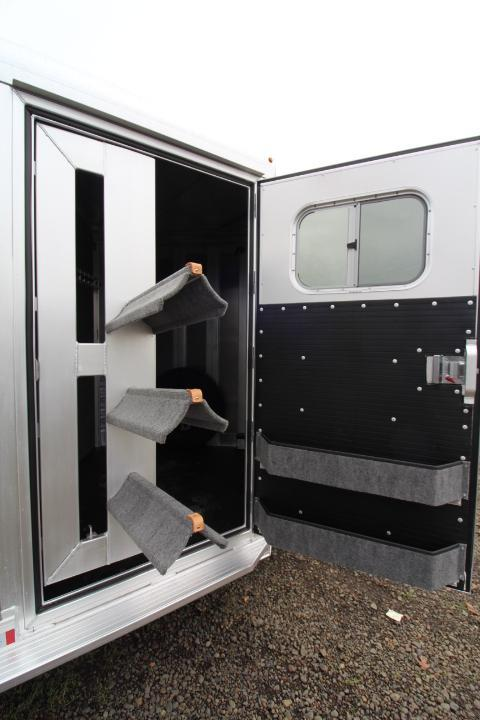 2021 Platinum 3 Horse BP-Swing Out Saddle Rack-Double Drops-Easy Care Floor-Stud Wall