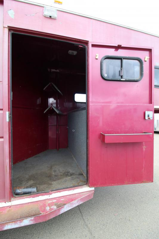 1994 Charmac Trailers 2 Horse Gooseneck Horse Trailer - Single Swing Rear Door - Drop Down Feed Doors - Slant Stall Divider