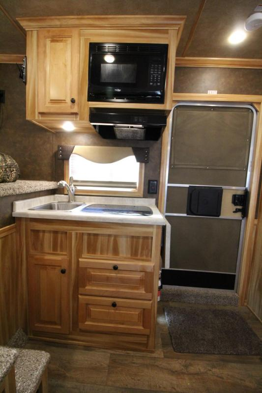 2020 Exiss Endeavor 8310 - 10ft SW Living Quarters w/ Slide out 3 Horse Trailer PRICE REDUCED $1000