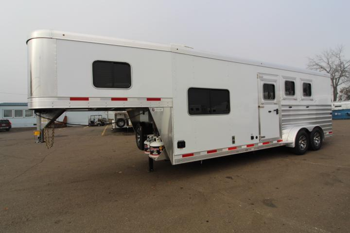 2021 Exiss Trailers 7308 Horse Trailer - Easy Care Flooring - Stud Divider - Sofa - 8' Short Wall Length