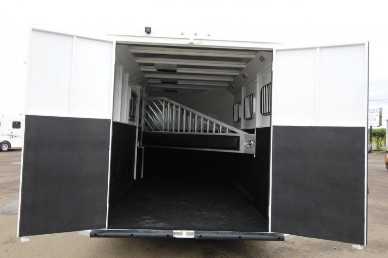 2020 Trails West Classic II 3-Horse Bumper Pull- UPGRADED WARMBLOOD SIZE STALLS- Swing Out Saddle Rack