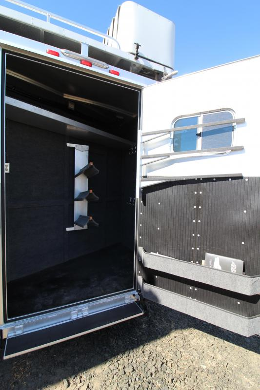 2020 Platinum 12' SW Outlaw Interior-3 Horse Trailer Reverse Slant Side Load-Hay Pod-Generator-Couch + Chair
