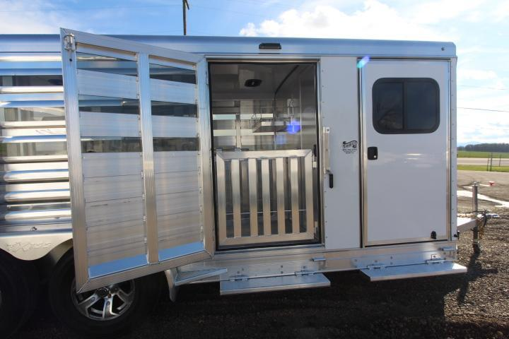 2021 Exiss Trailers Exhibitor 716 Livestock - Lined & Insulated Roof - Escape Door - Rear Ramp