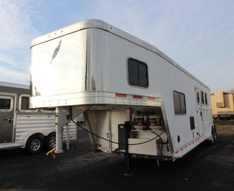 2020 Featherlite 7841 Liberty SE 10ft Sw Living Quarters 3 Horse Trailer Easy Care Flooring Jail Bar Dividers PRICE REDUCED $600