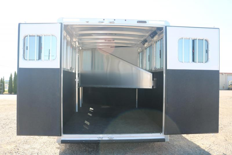 2021 Exiss Trailers Express Slant Load Horse Trailer