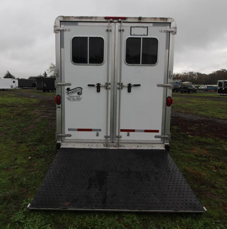 2006 Featherlite 4 HORSE TRAILER LQ - ESCAPE DOOR - DROP DOWN WINDOWS
