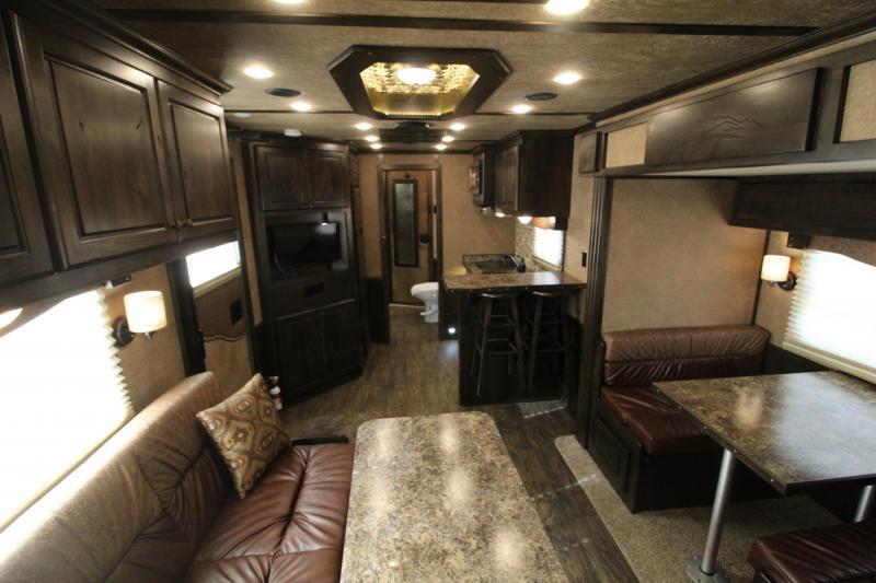 2019 Featherlite 9821- 17ft w/ Slide - BELOW COST! -  GENERATOR - 4 Horse LQ- Haypod-Bar-Easy Care Flooring-Premium Interior