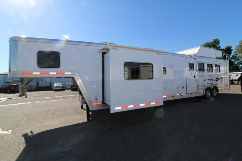 2019 Featherlite 9821- 17ft w/ Slide - BELOW COST! - All Aluminum - GENERATOR - 4 Horse Living Quarters Trailer - Haypod & More! PRICE REDUCED $15000