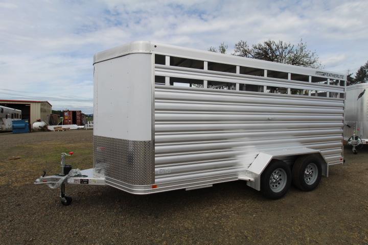 2021 Featherlite 8107 16' Livestock Trailer