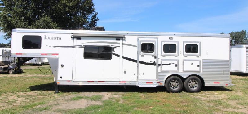 2015 Lakota CHARGER 3 HORSE TRAILER - SLIDE OUT