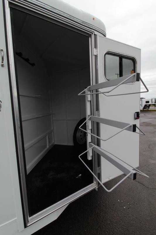 2020 Thuro-Bilt Wrangler Plus 3 Horse Trailer - Single Wall Construction - Telescoping Padded Dividers - Extra Divider Catch - Plexiglass Head And Kickwall