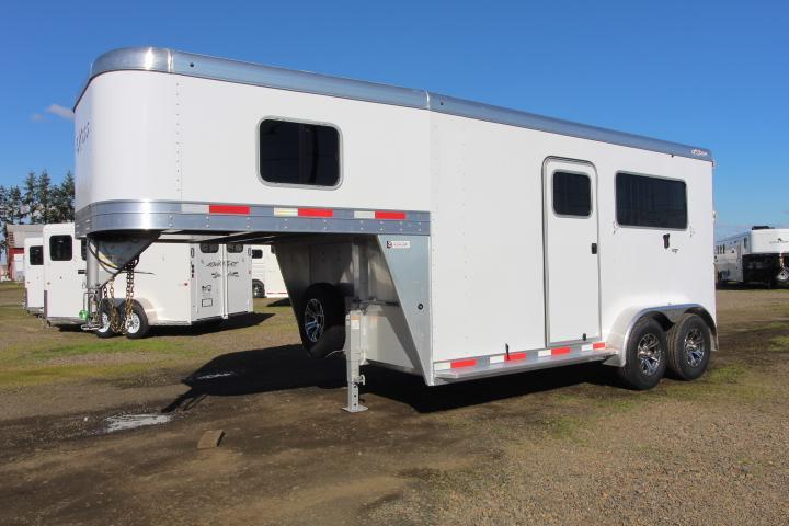 2021 Exiss 7200 ST Horse Trailer - Easy Care Flooring - LED Strip Lights