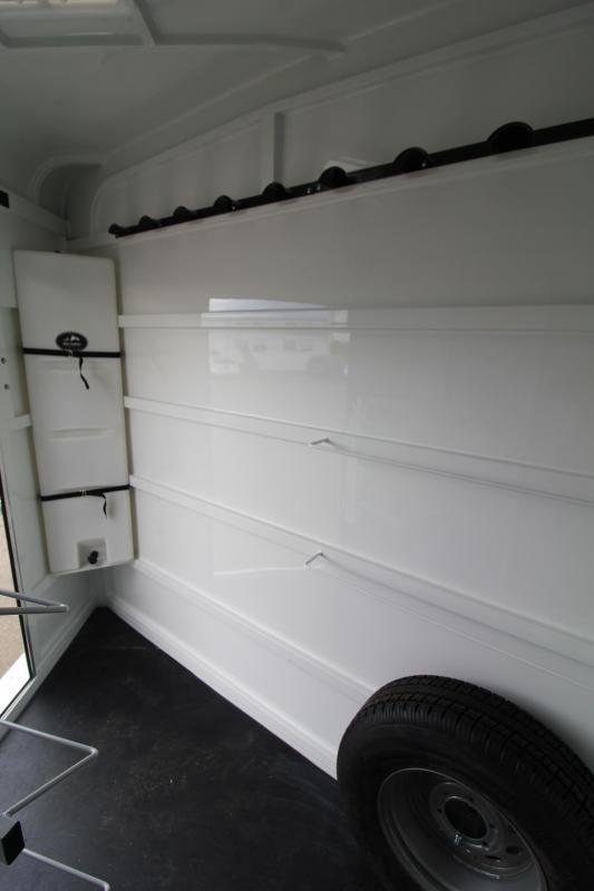 2021 Thuro-Bilt Liberty 3 Horse Trailer- Escape Door-Swing Out Saddle Rack-Water Tank