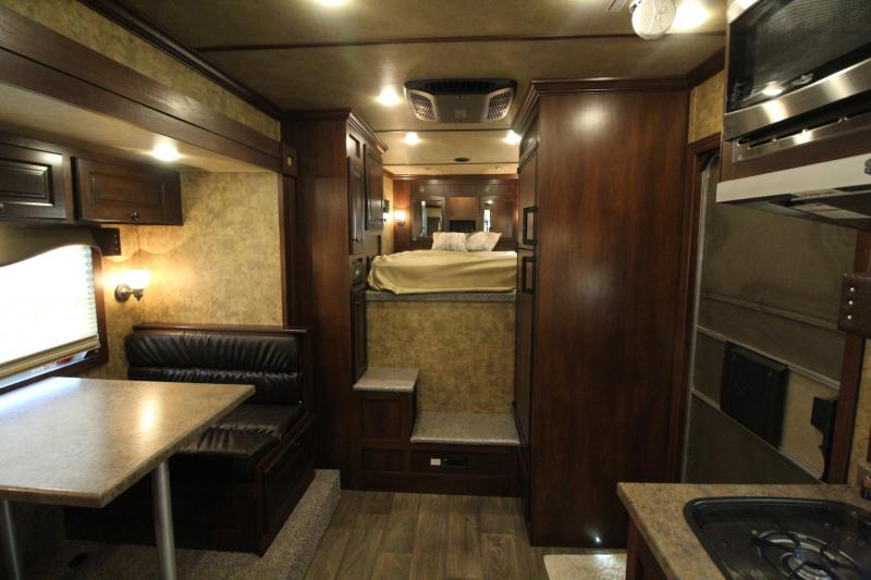2021 Exiss Trailers ESCAPE 7210 EASY CARE FLOOR -SLIDE OUT - LINED AND INSULATED Horse Trailer