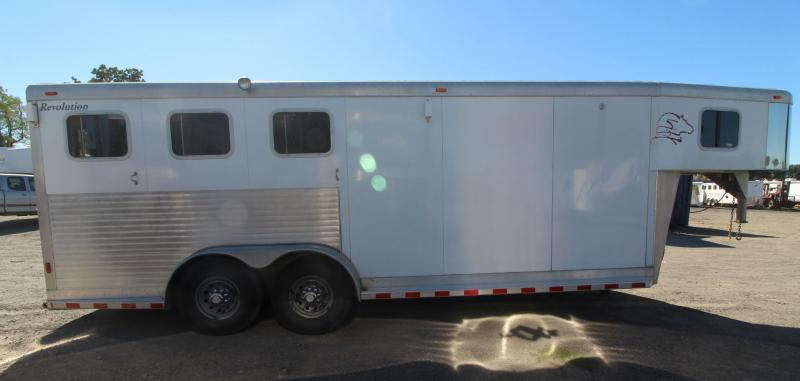 2001 Sooner REVOLUTION 3 HORSE TRAILER - NEW POLYLAST FLOOR - Price Reduced