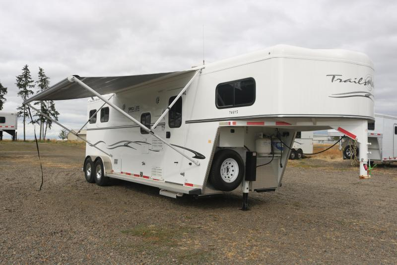 2017 Trails West Classic Specialite 8x13 2-Horse Gooseneck - Manual Awning - Foldable Rear Tackroom - Easy Care Floor - Swing Out Saddle Rack - Water Tank - Drop Down Windows & Bars