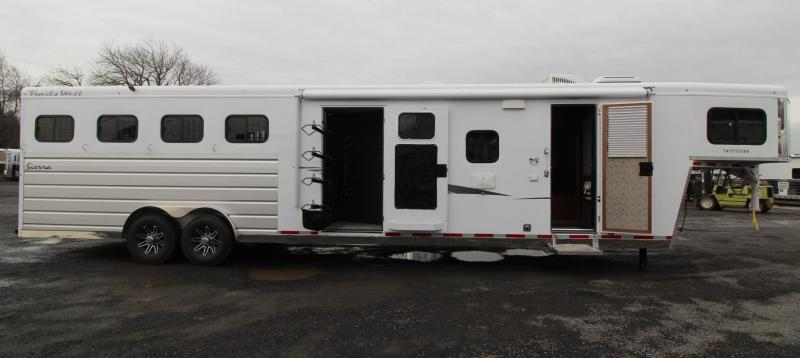 "NEW 2019 Trails West Sierra 13' x 13' Living Quarters w/ Slide-out w/ Dinette - 4 Horse Trailer - Side Tack - Mangers - 8' Wide 7'6"" Tall - Easy Care Flooring"