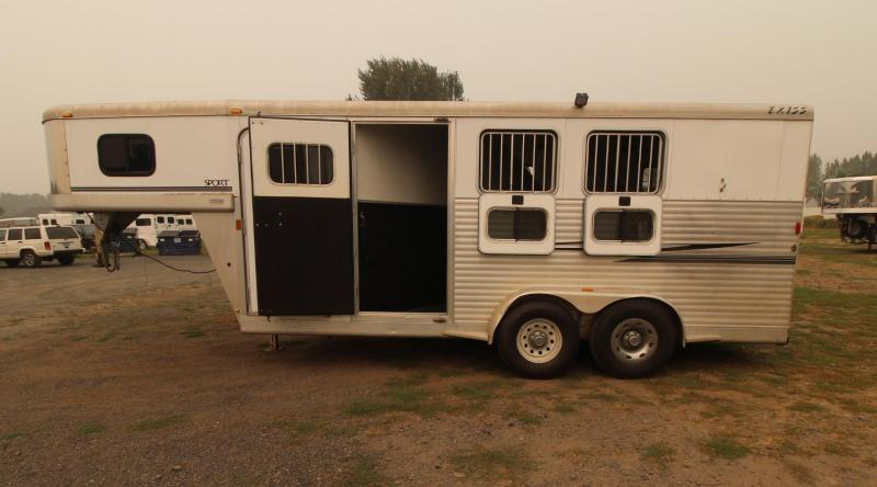 2004 Exiss SPORT 3 HORSE TRAILER