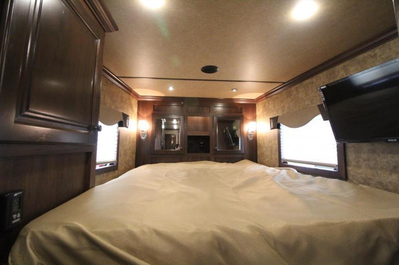 "2019 Exiss Escape 7410 - 10'6"" Short Wall Living Quarters w/ Slide 4 Horse - Easy Care Flooring - Upgraded Interior PRICE REDUCED $4200"
