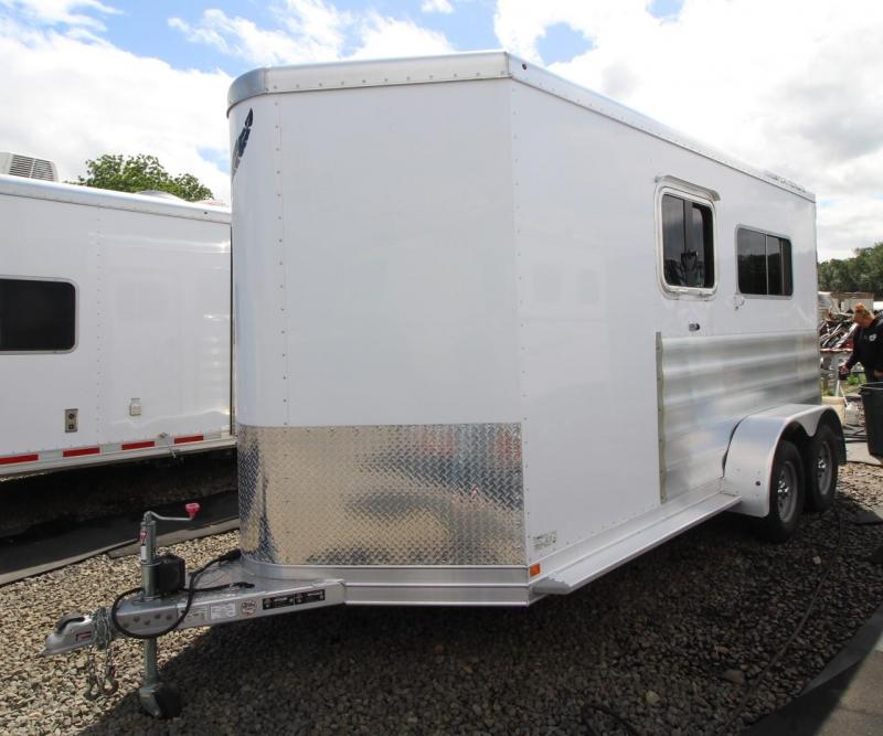 2015 Featherlite 9407 STRIGHT LOAD- DRESSING ROOM - MANGERS Horse Trailer
