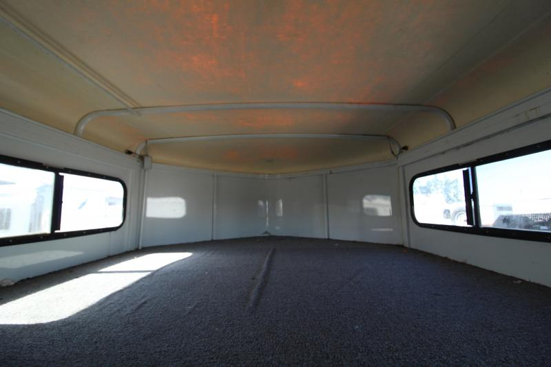 1999 Circle J Riata 4H GN w/Tack Rooom Horse Trailer