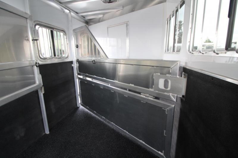 2020 Featherlite 7841 Liberty SE 10' Short Wall Living Quarters 4 Horse Trailer Electric Awning Stud Divider Easy Care Flooring PRICE REDUCED $500