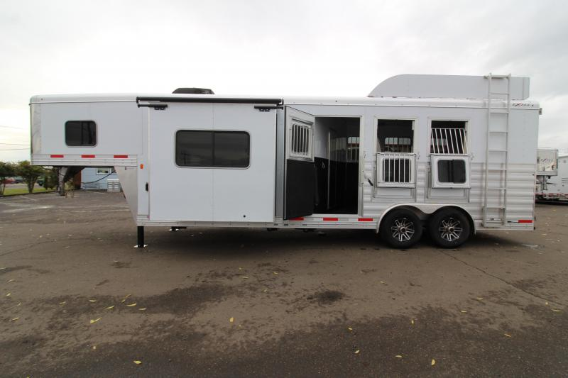 2020 Exiss 8310 3 Horse 10' SW Living Quarters Trailer - Slide Out - Dinette - Hay Rack - Easy Care Flooring PRICE REDUCED $1000